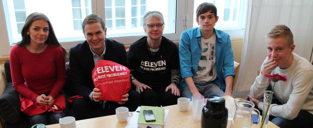 Bilden från vänster till höger: Linnea Ahlqvist, Gustav Fridolin, Anki Sandberg, Vincent Rankila, Samuel Johansson. Foto: Riksförbundet Attention
