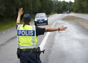 trafikpolis i arbete